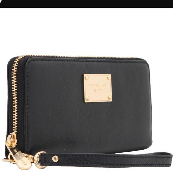 e44d73880663c3 Michael Kors Bags   Essential Zip Wallet For Iphone 45   Poshmark